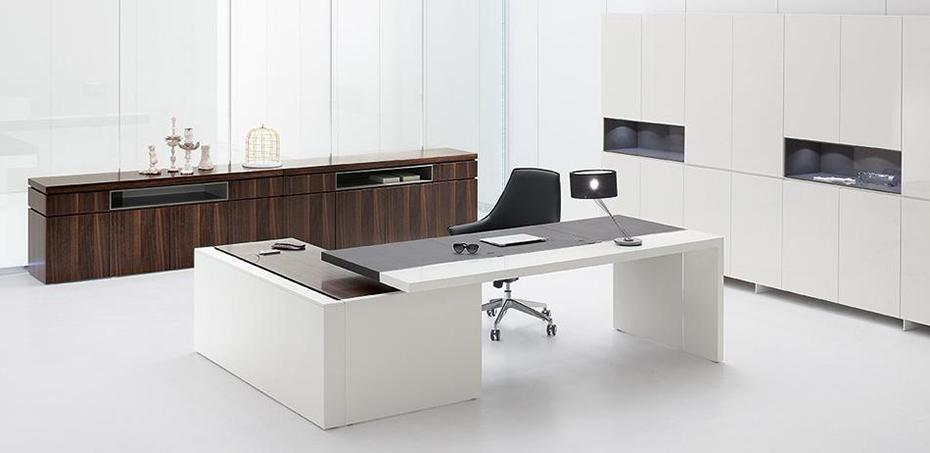 Mesas escrit rio moderna por archiutti for Mesa escritorio moderna